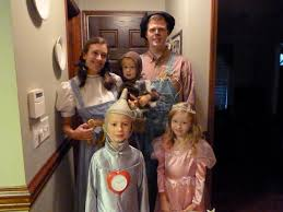 Family Of 4 Themed Halloween Costumes Costumes Life Sew Beautiful
