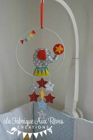 chambre cirque mobile éveil bébé cirque éléphant étoiles étoiles éléphant