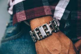 leatherman bracelet images Leatherman tread apple watch adapter gadget flow jpg