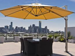 Big Umbrella For Patio by Cantilever Umbrella U2013 What U0027s Up With Them U2013 Capssite Org