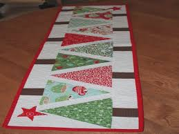how to make a table runner with pointed ends easy to make table runner youtube how to make a table runner