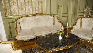 Upholster A Sofa The Best Fabric For Reupholstering Sofas Homesteady
