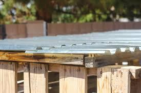 pallets diy make a free goat house from pallets weed u0027em u0026 reap