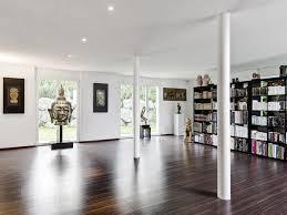 großes bild wohnzimmer grosses wohnzimmer bibliothek in feusisberg einfamilienhaus