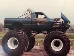 the first grave digger monster truck awesome truck yea pinterest monster trucks monsters and