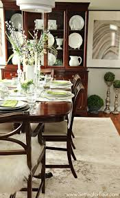 beachy dining room decorating ideas setting for four