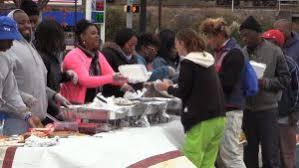 two will feed the homeless for thanksgiving