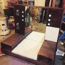 Makeup Vanity Made Me A Floor Makeup Vanity For My Room Out Of Wood Pallets