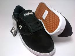 Sepatu Dc dc mikey black white shoes shop id