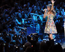 taylor swift why taylor swift pulled her music from spotify time