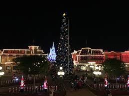 crockett fantasy of lights 10 reasons to visit walt disney world at christmastime