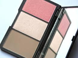 sleek face form contouring and blush palette fair