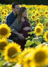 how to style maternity photos u2014 sophisticaited