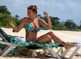 olivia buckland in on the beach in barbados 11 01 2016