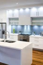 les plus belles cuisines contemporaines superbe cuisine en bois gris 12 les cuisines contemporaines