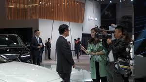 lexus used car event 2016 lexus es facelift is full of self esteem at auto shanghai