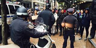 youtube thanksgiving day parade nypd cracks down on ferguson inspired thanksgiving day parade