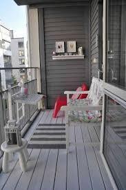 regal balkon balkondeko ideen für eine bequeme und schöne balkonatmosphäre