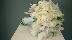 wedding flowers orchids wedding flower arrangements the season s prettiest picks