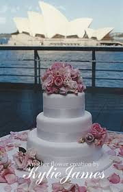 Wedding Cake Flowers Fresh Flowers For Your Wedding Cake Cherish