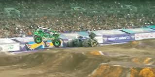 monster trucks grave digger famous monster truck grave digger crashes after failed backflip