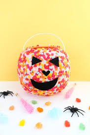 Kids Halloween Crafts Easy - craft it confetti pumpkin baskets halloween tricks confetti