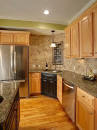 maple cabinet kitchen ideas maple cabinets ideas on foter