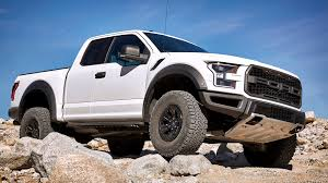 king of the wasteland 2017 ford f 150 raptor first drive autoblog
