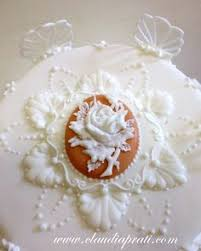 Royal Icing Decorations For Cakes Pin By Debra Lawson On Lambeth Nirvana Royal Icing Collars