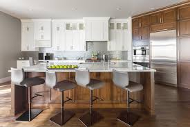 what color to paint two tone kitchen cabinets a two tone cabinet scheme gives your kitchen the best of