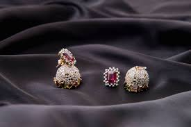 jewellery designers 7 notable indian jewellery designers who use traditional