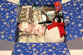 penguin and polar bear oreos for military care package 17