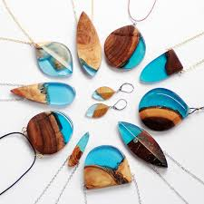 How To Make Inlay Jewelry - artist turns old wood into unique jewelry by using its natural
