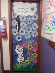 classroom door ideas for thanksgiving 40 classroom christmas decorations ideas for 2016 olaf doors