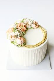 cake trends blooming buttercream