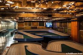a hostel like you u0027ve never seen check out chicago u0027s fieldhouse jones