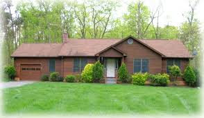 ranch house this is a ranch home because it is rectangular shaped with all