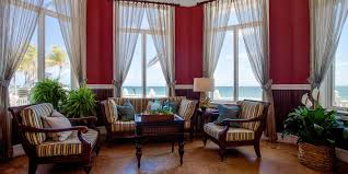 the perfect ft lauderdale resort for beach going families and