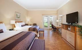 deluxe rooms hotel rooms u0026 suites in kelowna bc best western