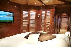 chambre en bois chambre en bois exotique idées de décoration capreol us