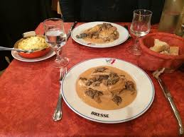 cuisiner un poulet de bresse poulet de bresse sauce crème aux morilles vraiment excellent