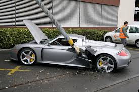 porsche gt crash porsche gt crash today near my office parking is flickr