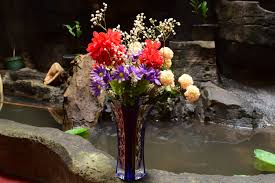 Flowers In A Vase Images How To Arrange Flowers In A Large Vase 7 Steps With Pictures
