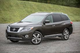 nissan rogue kbb review nissan rogue production expands to meet high u s demand