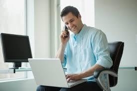 employé de bureau un américain passe 650 heures par an sur sa boîte mail