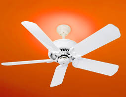 how to properly use ceiling fans during the winter months