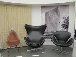 swan chair designed by arne jacobsen table lamp in 8 colors jpg