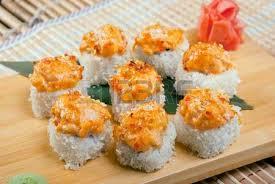 cuisine japonaise traditionnelle sushi japonais cuisine japonaise traditionnelle rouleau de poissons