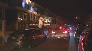 people who hang christmas lights gunman opens fire on 3 people hanging christmas lights in philly