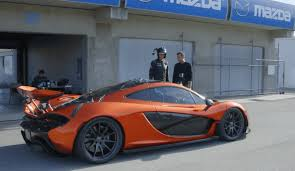 porsche mclaren p1 porsche 918 vs mclaren p1 race on laguna seca video digital trends
